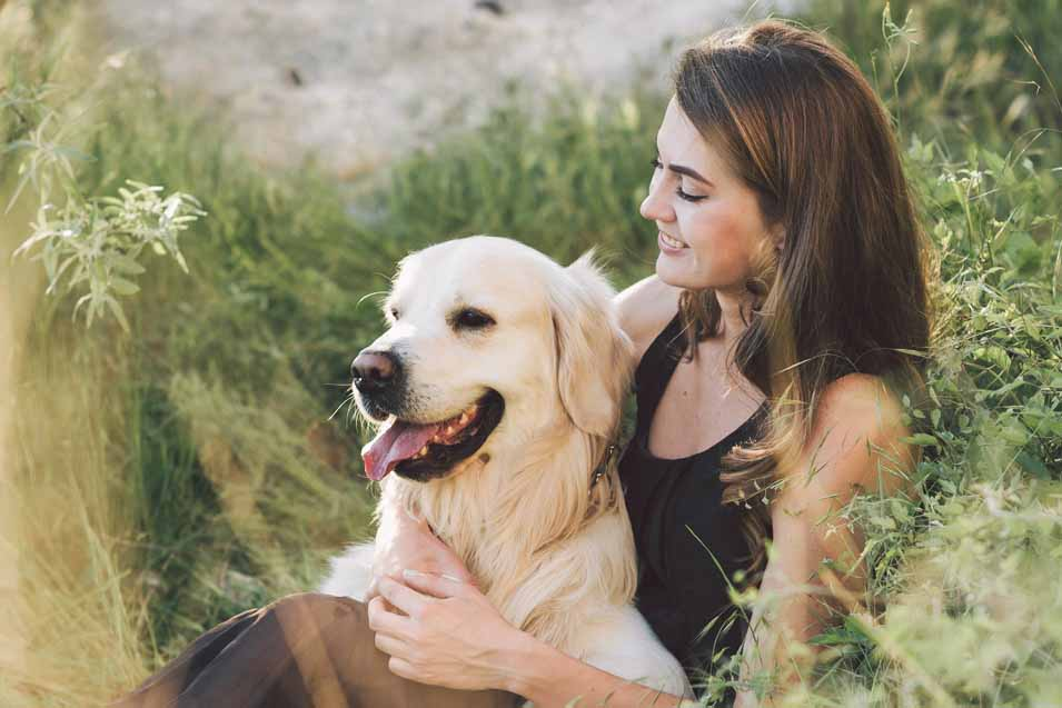 Picture of a woman an her dog