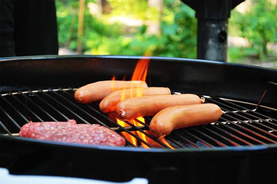 Picture of hot dogs on the bbq